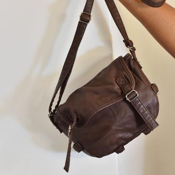 b533c8ff50 American Eagle Outfitters Handbags - American Eagle Outfitters Crossbody Bag